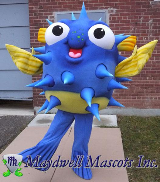 Blowfish mascot ripley s aquarium canada maydwell mascots for Puffer fish costume